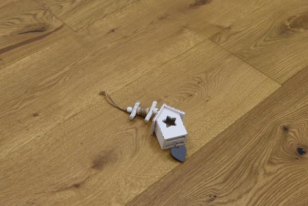 Parkett Landhausdiele Eiche Camargue aus der Serie Provence, gebürstet, mit Rubio Monocoat R209 Smoked geölt, 14 x 190 (220) x 1900 (2200) mm, Välinge 5G Klick Verbindung, Sonderanfertigung nach Kundenwunsch