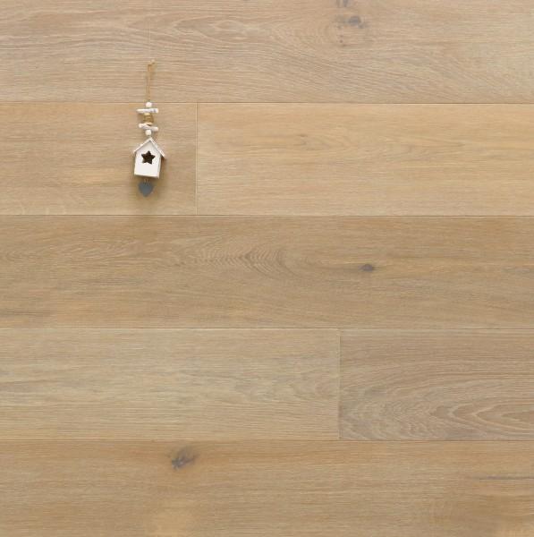 Parkett Landhausdiele Eiche Arezzo aus der Serie Italia, Natur, gebürstet, mit Rubio Monocoat R331 weiß geölt, 14 x 190 x 1900 mm, Drop Down Klick Verbindung, Sonderanfertigung nach Kundenwunsch